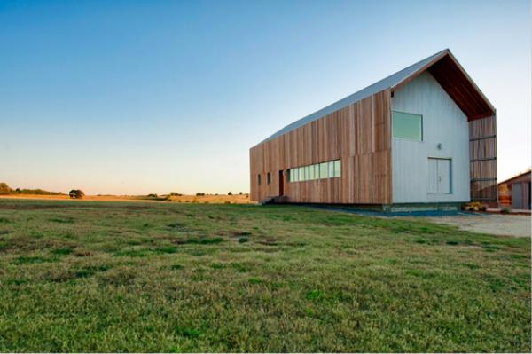 15 Contemporary Transformed Barn Homes (4)