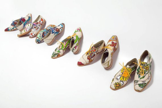 Florian cream Canvas Mens Shoes with Curve Detail illustratated by Keren Shpilsher, available on the Arama Shoes store