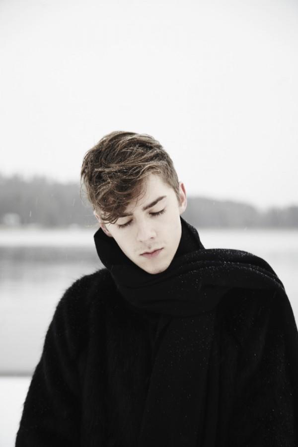mikkoputtonen_fashionblogger_katriniskanen_furcoat_alexanderwang_allblack_winter_snow_acne_canada_scarf_gaudete_3_web