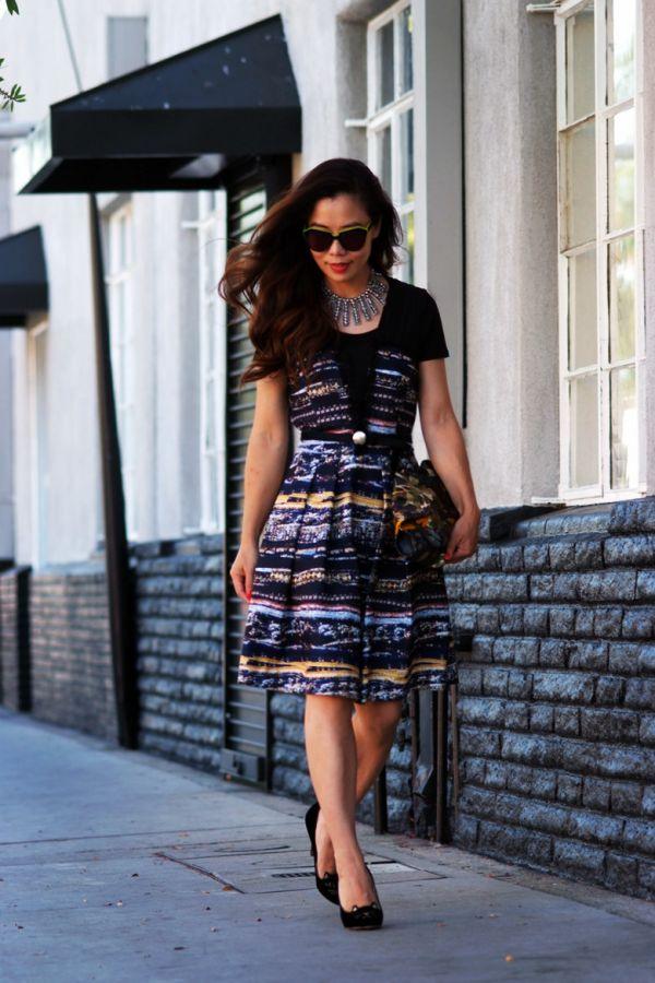 HallieDaily Print Dress n Alexander McQueen Floral Clutch_6