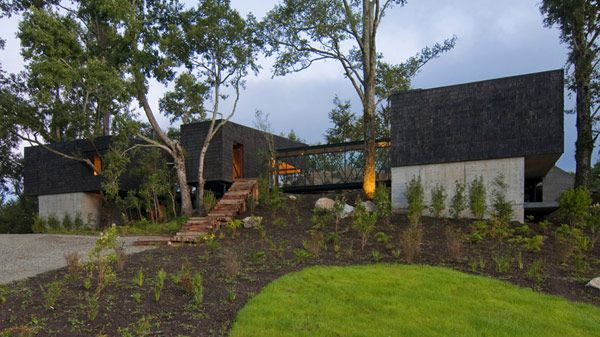 Ranco House Elton Lienz 2 Welcoming Ranco House in Chile Showcasing Charming Rustic Details
