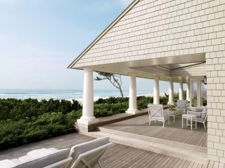 Beach Outdoor Space by Thierry Despont Ltd. and Thierry Despont Ltd. in East Hampton, New York