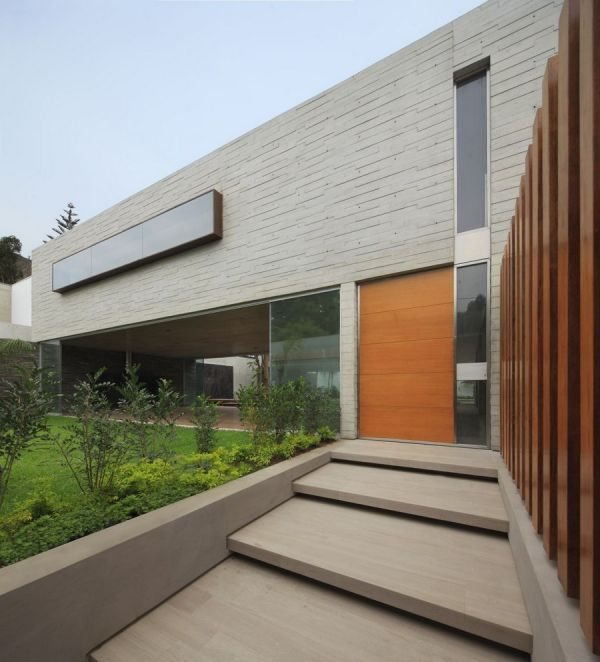 Project La Planicie House Ii 8 Opulent Residence Built Around a Central Courtyard in Peru: La Planicie House