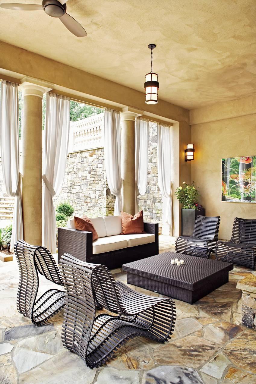 Contemporary Living Room by Ann Davis and David Grace in Atlanta, Georgia
