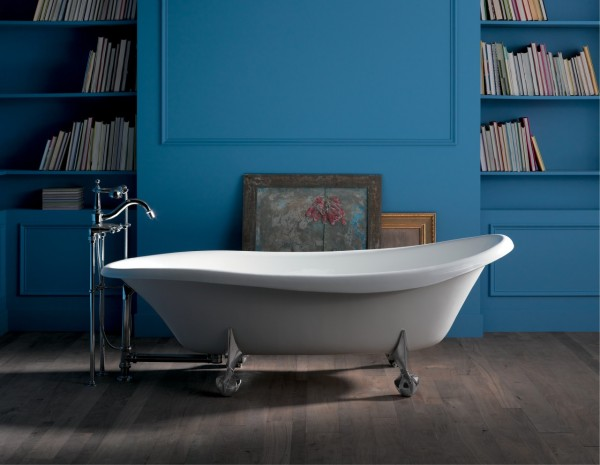 Birthday Bath® bath     Antique floor-mount bath filler with handshower      This clawfoot bath makes a unique style statement, while strong cast-iron construction ensures beauty and performance for years to come.