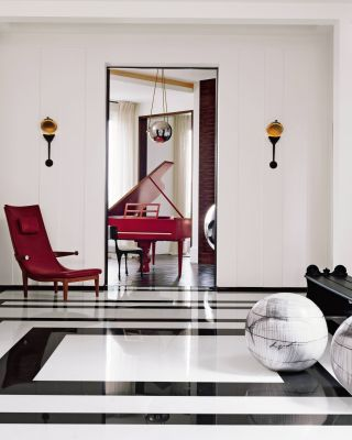 Modern Entrance Hall by Pierre Yovanovitch and Pierre Yovanovitch in Paris, France