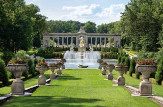 Traditional Garden by John Milner Architects and John Milner Architects in Wilmington, Delaware